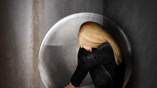A Sad Woman in Her Shell HD Wallpaper