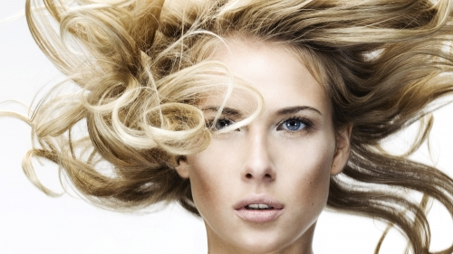 A Blond Model UHD Wallpaper