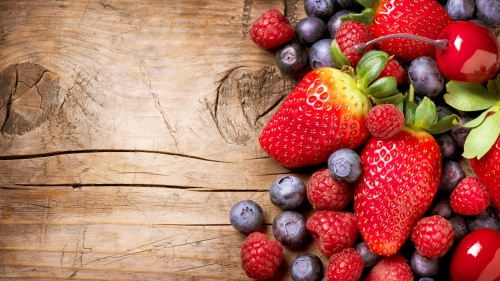 A Mix Of Berries Fruits Strawberry Raspberry Blueberry   4K Food Wallpaper