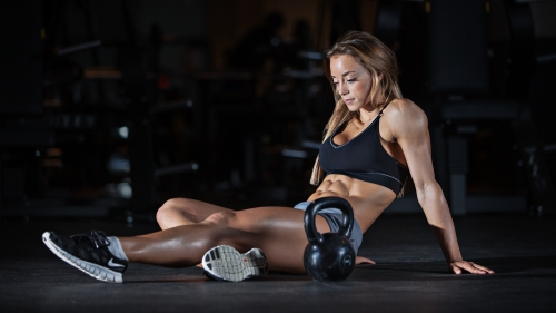 A Woman Resting During Workout At The Gym Health HD Wallpaper