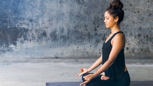 A Young Woman Wearing Black Doing Meditation Yoga Health HD Wallpaper