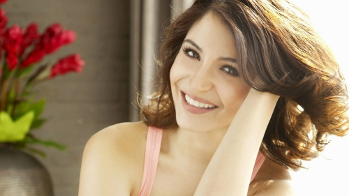 Anushka Sharma Indian Film Actress HD Wallpaper 2