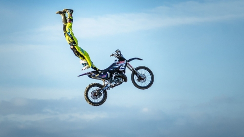 Bike High Jump Extreme Sports HD Wallpaper