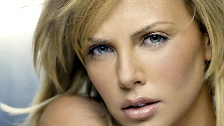 Charlize Theron 3 Celebrity Hd Wallpaper Wallpaper Vactual Papers