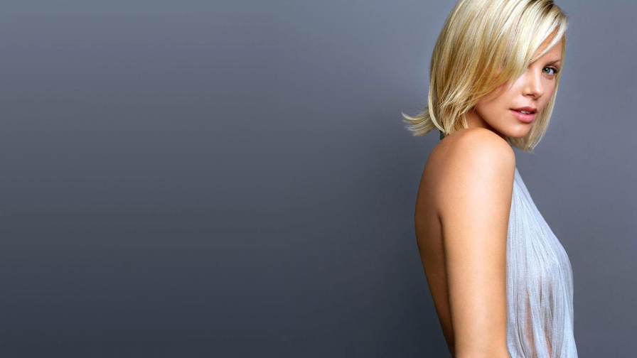 Charlize Theron Celebrity HD Wallpaper 19