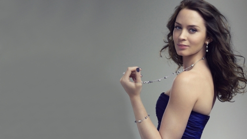 Emily Blunt Portrait Hollywood Actress HD Wallpaper 8