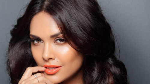 Esha Gupta Indian Film Actress HD Wallpaper