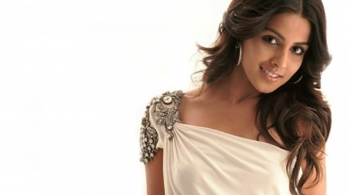Genelia Dsouza Indian Bollywood Film Actress High Quality Wallpaper