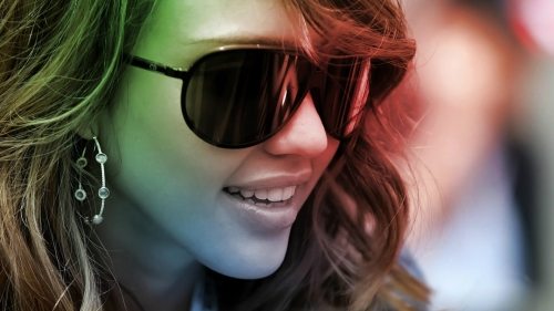 Jessica Alba Wearing Sunglasses Closeup Portrait HD Wallpaper