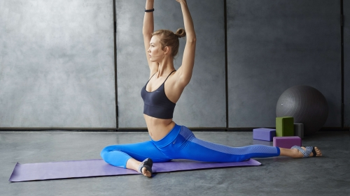 Karlie Kloss Wearing Blue Yoga Pants Nike Yoga Weight Oss Relax Fitness Training Health HD Wallpaper