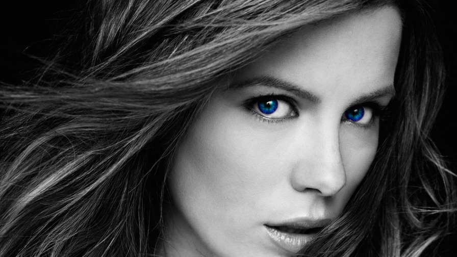 Kate Beckinsale Black and White Closeup HD Wallpaper