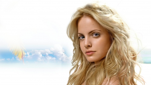 Mena Suvari Closeup Portrait HD Wallpaper