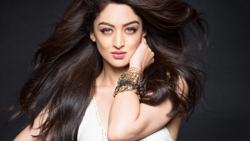 Sandeepa Dhar Indian Bollywood Film Actress High Quality Wallpaper