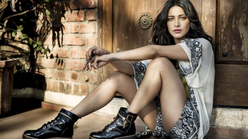 Shruti Hassan Indian Bollywood Film Actress High Quality Wallpaper