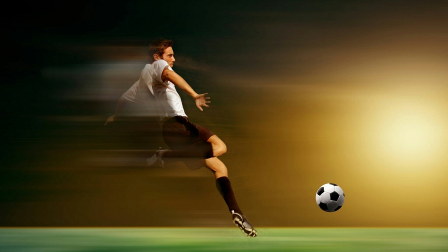 Stadium Soccer Football Sports Qhd Wallpaper 2560x2560: The Kick Soccer Football Sports QHD Wallpaper